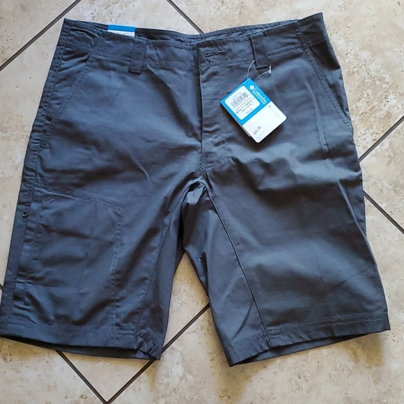 Columbia Other - NWT Columbia shorts 32